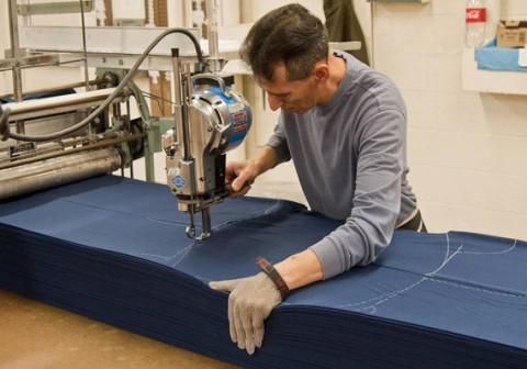 Mẫu máy cắt vải công nghiệp được sử dụng nhiều